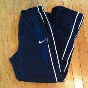 Nike boy's training pants. Size boy's XL.